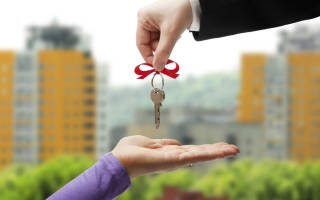 Берется ли налог с дарственной на квартиру